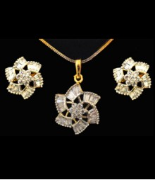 The Flower AD Pendant Set (with Chain) FSNV16