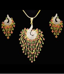 The Colorful Peacock AD Pendant Set (with Chain) FSNV17
