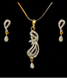 The Elegant Drop AD Pendant Set (with Chain) FSNV22