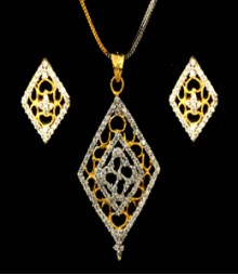 The Rhombus Carved AD Pendant Set (with Chain) FSNV23
