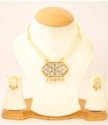 Carved Jewelry Set with Micro Gold Plating FAAPER21 Made from Alloy